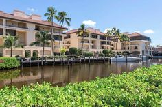 Best Properties on the Naples Market: Condos in Park Shore | 4400 Gulf Shore #103, Naples, FL 34103