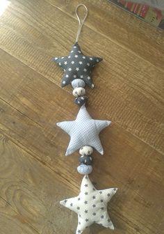 Harten/sterren hanger: € 15.00 Stof en lint kleur naar keuze!