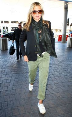 Jennifer Aniston from The Big Picture: Today's Hot Photos All partied out, the We're the Millers star takes off from LAX looking chic in an AllSaints Echo Scarf and sunglasses.