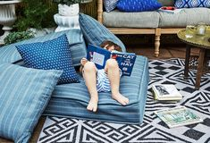 amenager son balcon et sa tarrasse de jardin avec coussins de sol, poufs et tapis