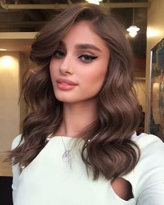 Hair: Brown Hair Color Ideas Taylor Hill's Chocolate Brown Hair Color is to dye for! Create with O&M Mineral.CCT and Chocolate Brown.Taylor Hill's Chocolate Brown Hair Color is to dye for! Create with O&M Mineral.CCT and Chocolate Brown. Elegant Hairstyles, Cool Hairstyles, Hairstyles Haircuts, Hairstyle Ideas, Wedding Hairstyles, Latest Hairstyles, Everyday Hairstyles, Curled Hairstyles For Medium Hair, Celebrity Hairstyles