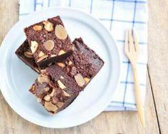 Brownies au chocolat minceur sans beurre : http://www.fourchette-et-bikini.fr/recettes/recettes-minceur/brownies-au-chocolat-minceur-sans-beurre.html