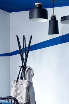 Riviera FR1379, er sterk klar og tydelig. Fargen er inspirert av Middelhavets klare blåtoner. En todelt farge som har en voldsom energi, samtidig som dens blå tone kan gi oss en ro. #middelhavet#riviera#energisk#ro#klarblå#blue#stue#livingroom#soverom#bedroom#bad#badthroom#sommerlig#summer#maling#painting#inspiration#inspirasjon#fargekart#Fargerike#tak#striper#vegg Bucket Bag