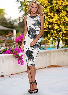 Bold Colors And Beautiful Prints - Women's Fashion by VENUS