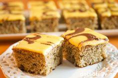 Her har du en stor og KJEMPEDEILIG langpannekake! Banankaker pleier som regel å… Delicious Cake Recipes, Yummy Cakes, Yummy Food, Recipe Boards, Afternoon Snacks, Dessert Bars, Let Them Eat Cake, Banana Bread, Meals