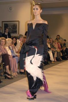 HAUTE COUTURE SHOWS, AUTUMN/WINTER 2004-2005 : HANAE MORI - sofeminine
