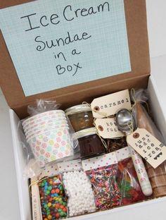 boîte, remplie de produits de d'outils pour préparer de la glace, un kit magnifique et encore une idée de cadeau de noel originale