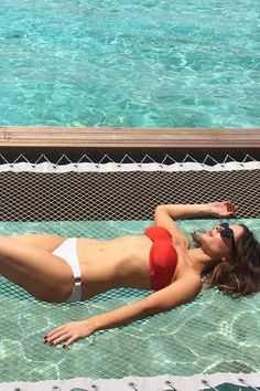 It Only Takes 1 Second to Learn Kate Beckinsale's Bikini Trick