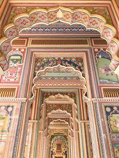 Jawahar Circle in Jaipur, Rajasthan, India Mughal Architecture, Ancient Greek Architecture, Beautiful Architecture, Beautiful Buildings, Art And Architecture, Beautiful Places, Jaipur Travel, India Travel, Ville Rose