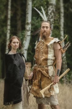 An Eneolithic Period man and woman from the Bell-Beaker Culture of Central Europe by Jak Obléci Pračlověka Early Humans, Hunter Gatherer, Stone Age, Woodland Creatures, Ancient History, Archaeology, Fantasy, The Past, Painting