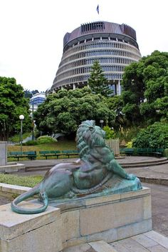 Sculpture - Wellington,and The Beehive (Parliament building) - New Zealand Hobbit Land, Capital Of New Zealand, Great Places, Beautiful Places, Chatham Islands, Wellington New Zealand, New Zealand Landscape, Kiwiana, New Zealand Travel