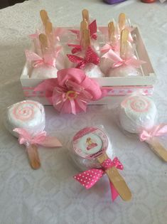Ideas For Baby Shower Souvenirs Recuerdos Bebe Regalo Baby Shower, Baby Shower Favors, Baby Shower Cakes, Baby Shower Parties, Baby Shower Decorations, Baby Shower Gifts, Baby Shower Souvenirs, Towel Animals, Towel Cakes