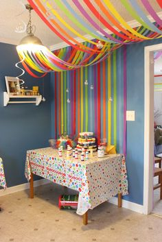 Rainbow Streamers and glass hanging bubbles Mais Streamer Decorations, Party Streamers, Diy Party Decorations, Birthday Decorations, Streamer Ideas, Decorating With Streamers, Crepe Paper Streamers, Rainbow Decorations, Rainbow Parties