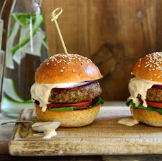 The all new healthy beef burgers with mushrooms and quinoa, stacked in a wholemeal spelt bun with chipotle mayo - the ultimate healthy burger! Burger Recipes, Meat Recipes, Dinner Recipes, Chipotle Mayo Recipe, National Burger Day, Homemade Burgers, Stuffed Mushrooms, Stuffed Peppers, Beef Burgers