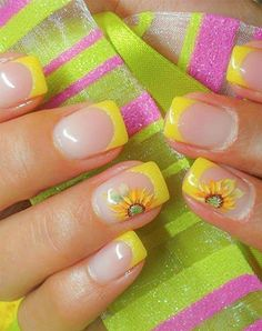 Flowers are the most typical design for summer. Summer is for sun so nails should be colorful and bright. Sunflower is the classic summer nail art design to make your summer more alive because of its yellow color which is the sign of positivity. Get ready Yellow Nails Design, Yellow Nail Art, White Nail, Fancy Nails, Trendy Nails, Sunflower Nail Art, Yellow Sunflower, French Tip Nails, French Tips