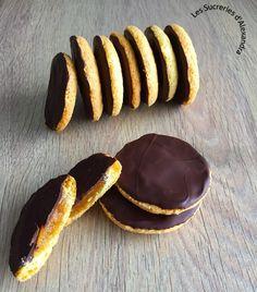 Pim's maison . Beignet Nature, Desserts With Biscuits, Dessert Biscuits, Bon Dessert, Cake & Co, Food Hacks, Sweet Recipes, Delicious Desserts, Easy Meals