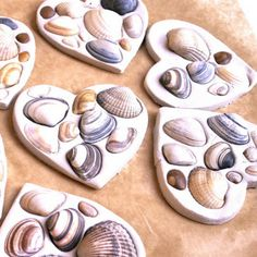 Wondering what to do with the seashells from the beach this summer? Find lots of seashell crafts for kids in this DIY kids' crafts collection and enjoy! Sea Crafts, Easy Crafts For Kids, Nature Crafts, Summer Crafts, Toddler Crafts, Projects For Kids, Art For Kids, Craft Projects, Seashell Crafts Kids