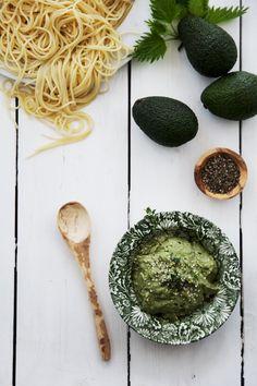 Pastasås på avokado & nässlor med Oatly iMat havregrädde