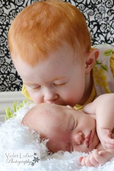 The sweetest thing.  Violet Lufkin Photography: Baby P