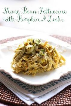 French Delicacies Essentials - Some Uncomplicated Strategies For Newbies Healthy Pumpkin Leek With Edamame And Mung Bean Fettuccine Recipe. Ideal For The Fall And A Delicious Weeknight Dinner. One Of My Favorites Vegetarian Recipes, Cooking Recipes, Healthy Recipes, Vegetarian Lunch, Veggie Recipes, Healthy Meals, Delicious Recipes, Healthy Eating, Fettuccine Recipes