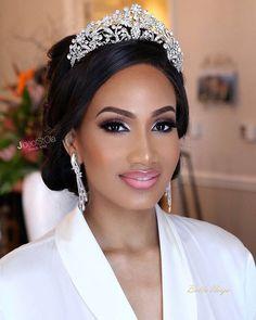 How gorgeous? Very! Bride @temimarcella | Makeup by @jideofstola #capetown #tnt2016 #temitayo2016 @weddingconceptssa