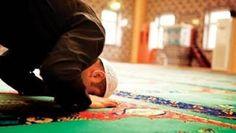 Niat Shalat Tahiyatul Masjid Lengkap Lafadz Arab, Latin dan Artinya