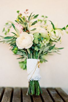 Romantic and loose bouquet