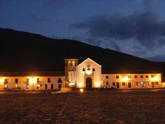 Villa de Leyva -Boyacá- Largest Countries, Countries Of The World, Places Ive Been, Places To Go, Spanish Speaking Countries, How To Speak Spanish, Mansions, Mexico, House Styles