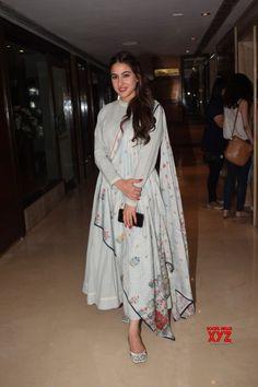 Mumbai Sara Ali Khan seen at Sun n Sand Juhu Gallery: Visit the post for more. Indian Attire, Indian Wear, Indian Outfits, Indian Clothes, Desi Wedding Dresses, Party Dresses, Kurta Designs Women, Salwar Designs, Indian Designer Suits