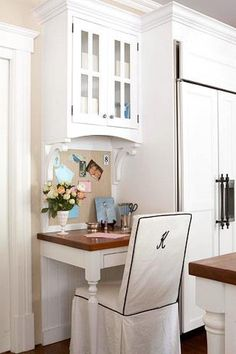 Cute kitchen office - this is what I want just a small little space to call my own!
