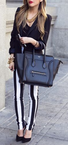 Chic stripes and Celine bag, Ugh I WILL have this bag one day. Looks Chic, Looks Style, Style Me, Look Fashion, Fashion Beauty, Fashion Women, Fashion Night, Girl Outfits, Casual Outfits