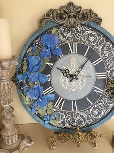 Купить или заказать Часы коллекция Барокко Лазурь Ирисы в интернет-магазине на Ярмарке Мастеров. Часы настенные, 67х60 см!!! Выполнены в технике скульптурная живопись с использованием декоративной штукатурки, рама с обьемным декором, золочение жидкой поталью, патина, фактурный центр с обьемным орнаментом, обьемные вензеля внутри часов, цифры - золочение жидкой поталью, покрытие матовым акриловым лаком, толщина 2,5 см, выемка под механизм, подвес. Эксклюзивные авт орские часы ручной работы.