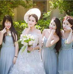 「ウェディングドレス ブライズメイド服 ロングドレス パーティードレス 3色 花嫁 結婚式 豪華 披露宴 多様な着こなしができ」の商品情報やレビューなど。