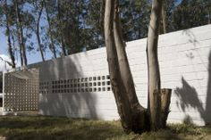 La Pedrera Block House / Gualano + Gualano Arquitectos