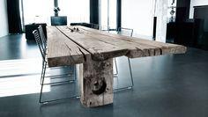 Møbler af træ fra bolværk i nedlagte færgehavne. Læs mere på: http://norubbish.dk/2015/04/thors-design/