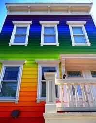 Taste the Rainbow of 32 Flavors (and Then Some): Spanning the entire color spectrum from red, orange and yellow through green, blue and violet, this incredible exterior paint job blends seamlessly from top to bottom. Would be an awesome beach house! Exterior House Colors, Exterior Paint, Stucco Paint, Rainbow House, Rainbow Family, Crazy Houses, Somewhere Over, World Of Color, Over The Rainbow