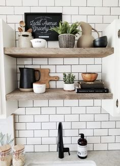 Easy Tips For Styling Your Shelves How to easily style open shelves in a modern farmhouse kitchen. Styling Tips from Cynthia Harper.Style Style is a manner of doing or presenting things. Style may refer to: Farmhouse Style Kitchen, Modern Farmhouse Kitchens, New Kitchen, Kitchen Ideas, Kitchen Tables, Awesome Kitchen, Kitchen Modern, Kitchen Utensils, Kitchen Stuff