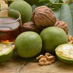 https://www.cuisineaz.com/recettes/liqueur-de-noix-vertes-40274.aspx