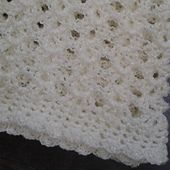 This pattern is so simple and works up quickly with neat edges even without the border! It's light weight too, so perfect for a pram blanket and it's also lacy so would be fantastic made larger in white for a christening!