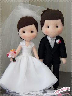Bride and Groom Felt Diy, Felt Crafts, Sewing Toys, Sewing Crafts, Wedding Doll, Bride Dolls, Troll Dolls, Felt Decorations, Felt Patterns