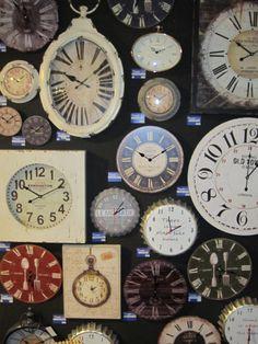 Een grote klok zou ik als statement accessoire ophangen in mijn mijnkamer #prontowonen #droomwoonkamer