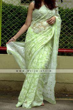 Trendy Sarees, Stylish Sarees, Stylish Dresses, Cotton Saree Designs, Saree Blouse Designs, Bridal Silk Saree, Chiffon Saree, Saree Designs Party Wear, Indian Beauty Saree