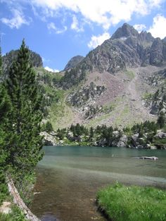 Hiking in the Pyrenees to Escarpinosa lake. See our complete Pyrenees hiking guide with all the information you need to prepare your hiking trip to the Pyrenees saving hundreds of euros, at www.marbletrip.com. Buy this guide and receive completely free a complete guide of La Vera shire.