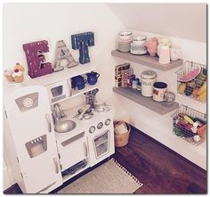 Can't stand toys and books everywhere in your house? Try these 34 toy storage ideas & kids room organization hacks to transform your kids' messy room. kids kitchen 58 Genius Toy Storage Ideas & Organization Hacks for Your Kids' Room - Page 2 of 2 Play Spaces, Kid Spaces, Play Areas, Small Spaces, Casa Kids, Kids Room Organization, Organization Hacks, Organizing Ideas, Rooms Ideas
