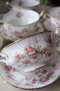 Paragon Victoriana Rose... my grandma's set, a gift from my grandfather for her 50th birthday.