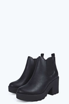 4590800fdd8 45 Best Chunky boots images