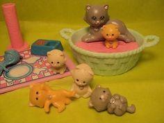 Vintage Littlest Pet Shop Mommy & Kitties