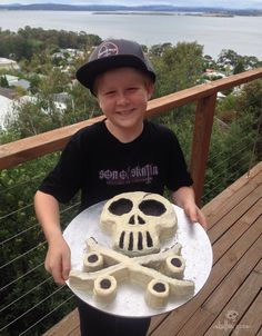 Son of Skatin 'Jules'. Cellebratin his big with a 'Skully Sure was fun making it, but had even more fun skating with you all day. Love you always my little man [Dad] SkullyBloodrider. Little Man, Skateboarding, Skating, More Fun, My Design, Sunday, Big, Cake, Domingo
