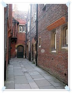 Hampton Court Palace alley way. If you recognize this, The Tudors was filmed here!