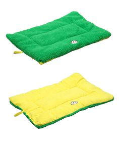 The best range of dog beds are available online at Essential Paw. Shop now for pet beds and supplies at great prices and we will deliver it to your door. For more details visit our website : http://essentialpaw.com/